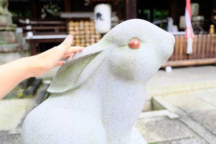 岡崎神社のフォトジェニックな狛うさぎ