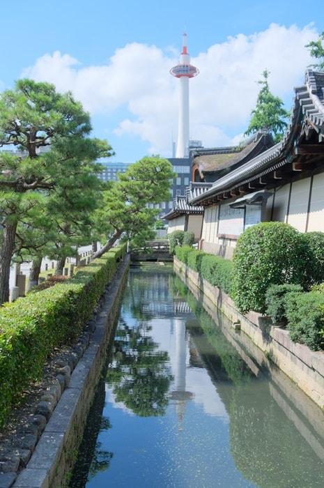 京都タワーの撮影スポット(東本願寺)