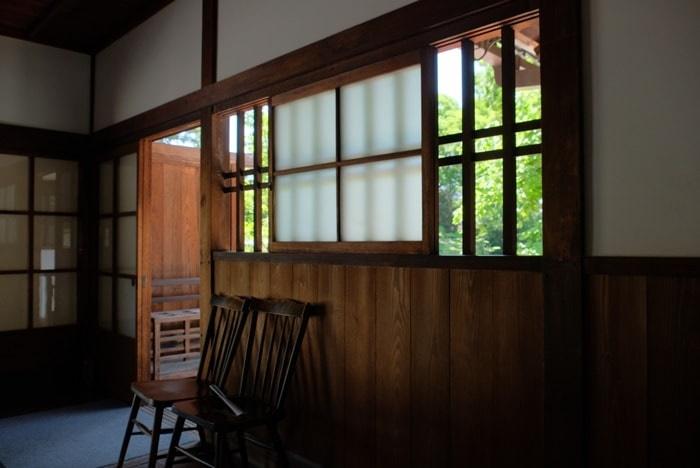 京都御苑 閑院宮邸跡写真スポット レトロな建物