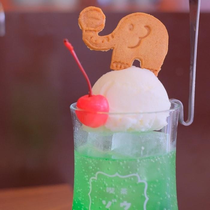 喫茶ゾウのクリームソーダ画像