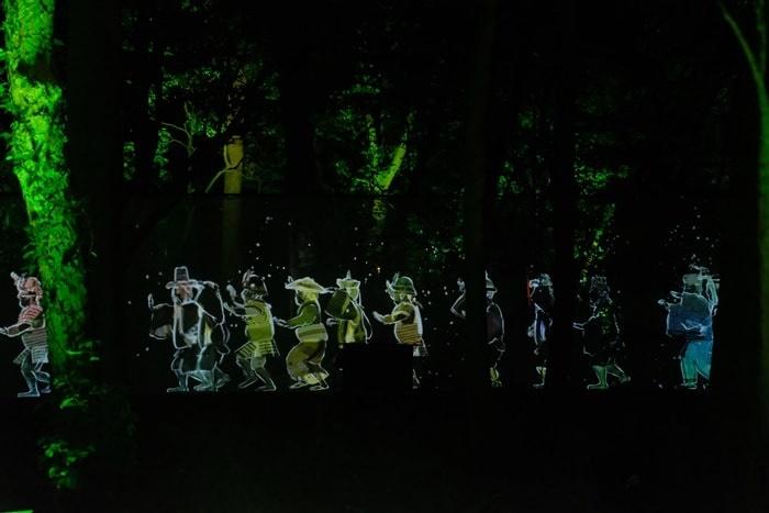 下鴨神社 チームラボ 人々の行列