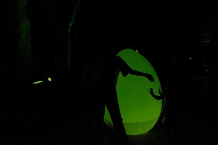 下鴨神社チームラボ光の祭 卵とシルエット