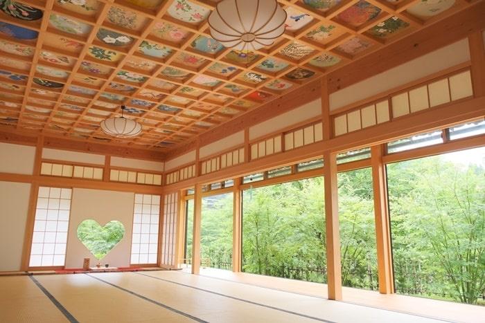 正寿院の天井画とハートの窓